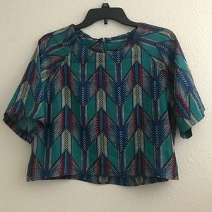 Patterned Cropped shirt